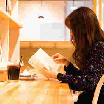 【大阪】ゆったり読書が楽しめる*居心地の良い《ブックカフェ》5選