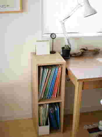 お値段のお手頃なパルプボードボックスは、隙間家具としてもおすすめです。成長とともに収納も変わってくる子供用品の整理にパルプボードボックスを活用している人も多いんですよ!