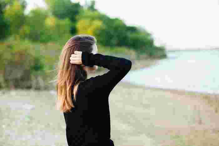 体の不調が特定の部位に表れてしまうひともいます。腰痛や肌荒れなどは特に女性が多く感じる症状のひとつです。  秋バテの症状は人それぞれ、様々なあらわれ方があります。いくつかの症状を感じているときは、秋バテの可能性があるといえます。