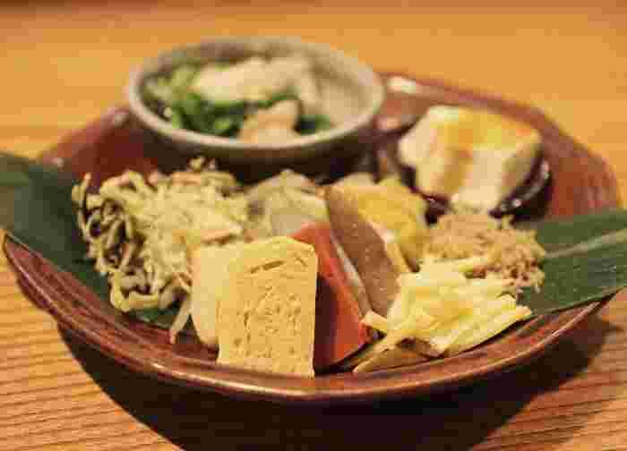 こちらは「日替気分」。京都産の野菜を使ったお惣菜はどれも絶品。薄味ですが、下処理を丁寧に行っているためえぐみ等は感じずに野菜のそのもののおいしさを楽しめます。