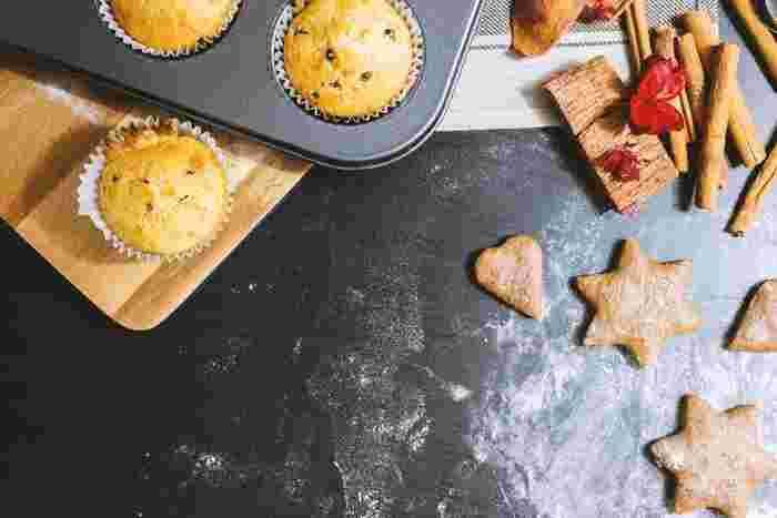 もしかすると、クッキーなどのお菓子作りには活用しているけど、お料理には使ったことがない...と言う方もいらっしゃるかもしれませんね。でも、オーブンを使いこなせるとお料理の幅がぐーんと広がりますよ!