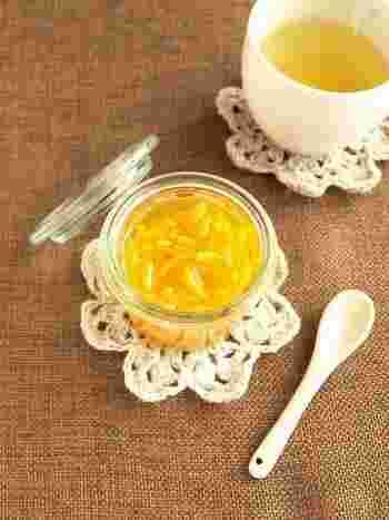お砂糖の代わりにハチミツを使ってもOK。柚子の爽やかな香りと優しい甘さにほっと癒されて。