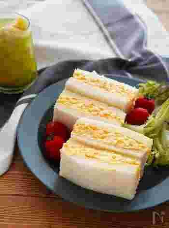 たまごのおいしさがぎゅっと詰まったたまごサンド。具はつぶしたゆで卵にマヨネーズを和えるだけなのに、シンプルに美味しい。