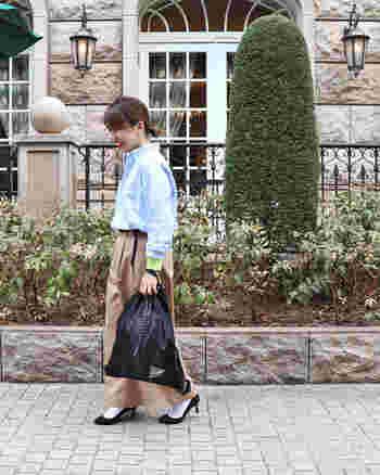 ボタンダウンシャツを着るなら、やっぱり素材にもこだわりたいという方におすすめな「303(サンマルサン)」のボタンダウンシャツ。しっかりとした素材で縫製されているので、春に限らず一年中着ることができるのも魅力ですね。