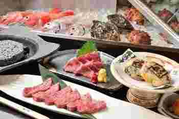 松本城の近くにあり、少々隠れた所にある名店で、馬刺しや筍饅頭など信州の郷土料理のメニューが豊富。旬の山菜を使った季節料理も見逃せません!