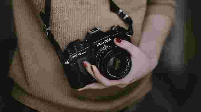ストックフォトを始めるにあたって必要なのは、カメラとパソコンやスマホなどのアップロードツールだけ。様々なサイズの写真が販売されているので、コンパクトデジカメで撮影した写真でも販売できるようになりました。