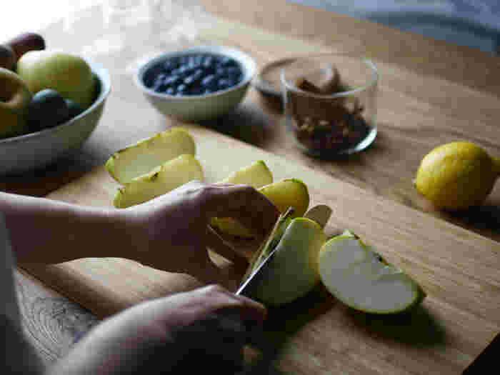 お守りドリンクにかかせない食材は、やっぱり夏に旬を迎える野菜やフルーツ。 旬のものは栄養がぎゅっとつまっていて、体にも心地いいんです。