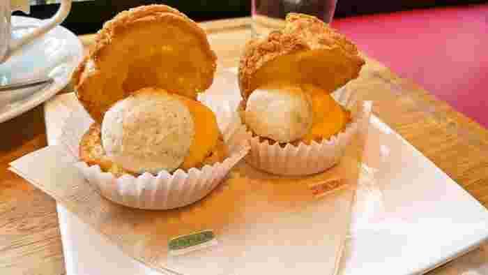 もう1つの人気メニューが、こちらのシュークリーム。シュー生地にカスタードクリーム、そして野菜などが入ったギモーヴをプラス。小ぶりで食べやすいサイズです。