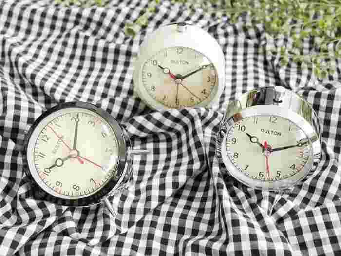 そんなときには「朝の目覚め方」をちょっと変えてみましょう。自分に合った目覚まし時計があれば、朝から明るい気持ちで目覚めることができますよ♪おしゃれなデザインのものから、ちょっとユニークなものまで、素敵な目覚めを運ぶ目覚まし時計をご紹介しましょう。