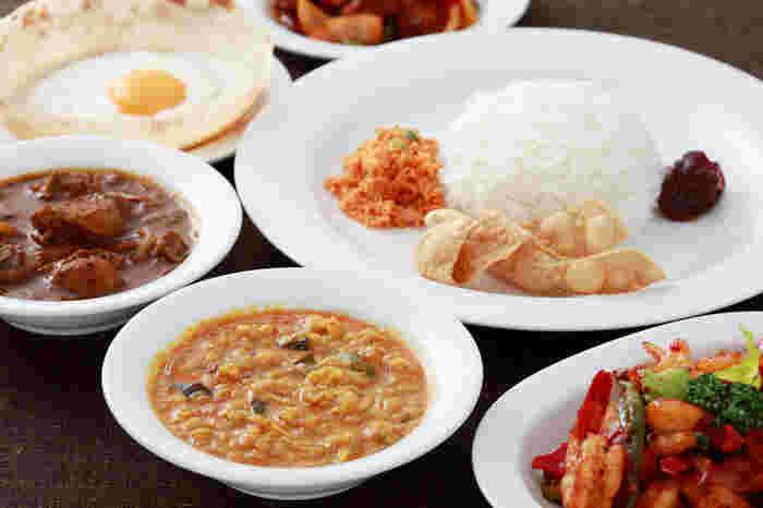 """予防医学として有名な""""アーユルヴェーダ""""の考えをもとに作られたお料理の数々。身体に優しいメニューばかりなので、スリランカ料理初心者の方でも安心して召し上がれます♪"""