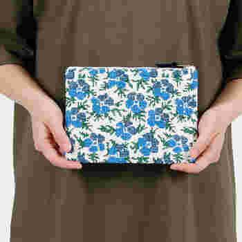 繊細でていねいな刺繍が施されたアイテムは、持っているだけで女性らしい優雅な気分になれますよね。毎日の生活で使う小物にも、かわいい刺繍のアイテムを取り入れてみませんか?