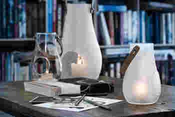 ガラス製にもかかわらず、柔らかなシルエットと質感が上質な雰囲気のランタン。中に入れるはキャンドルです。風に揺らめく様子はリラックス効果があってリフレッシュできそう。