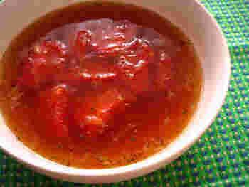 トマトと黒酢の組み合わせは、とっても相性抜群♡忙しい朝でも、スープでしっかり栄養をとってくださいね。
