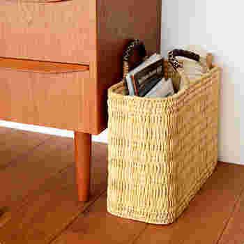自立してくれるので、お部屋の小物の収納にも役立ってくれます。雑誌やパソコンを入れても◎。