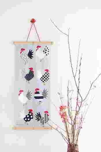 例えば干支の柄の手ぬぐいなら、お正月のお飾りになります。今年は来年の干支の手ぬぐいを買い求めてみては?