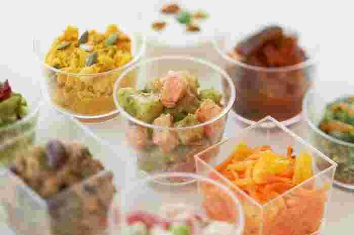 季節の食材を中心に、素材にこだわった自家製デリもおすすめ。サイドメニューに1品加えるだけで、栄養バランスがさらに良くなります。サラダやマリネなど、ヘルシーなメニューが多いのも嬉しい◎
