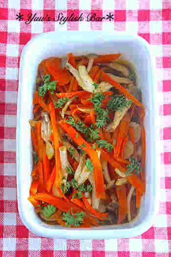 彩り綺麗で簡単、しかも冷凍保存までできてしまうお役立ちレシピ。酸味のきいた味や鮮やかな赤系の色合いで、献立の副菜からお弁当まで幅広く活躍してくれます。