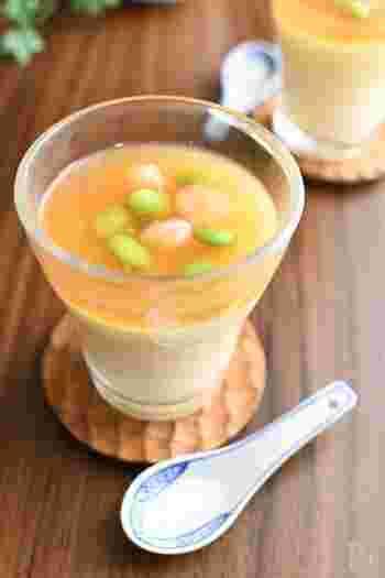 牛乳を使う、ちょっと変わった茶碗蒸し。どちらかというとプリンに似た作り方で、なめらかに仕上がります。中華あんもレンジのみで作れるので、覚えておきたいですね。