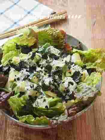 こちらのレシピでは、豆腐サラダにアボカドを合わせた和洋折衷レシピ。しらすと海苔の磯の香りが豆腐とアボカドにベストマッチ。 ドレッシングもポン酢とオリーブオイルの和洋を混ぜて作ります。市販のドレッシングは糖質が含まれているものも多いので、簡単に作れるドレッシングレシピはいくつか覚えておくと便利です。