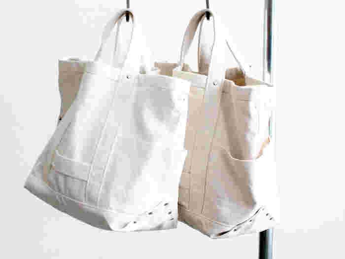 日のちょっとしたお手入れで汚れを防ぐことができるんですね。 もし汚れてしまっても、きちんとお手入れすればキレイになります。お気に入りのバッグ、長く使えるように気をつけたいですね。