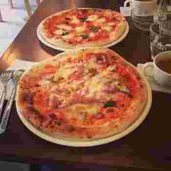 地下鉄五橋駅から徒歩数分のピザ屋さん「BIRD」は、リーズナブルなお値段でとびっきりおいしい本格ピザをいただくことができるんです。平日のランチは、サラダバー&スープバー&ドリンク付きでなんと800円。