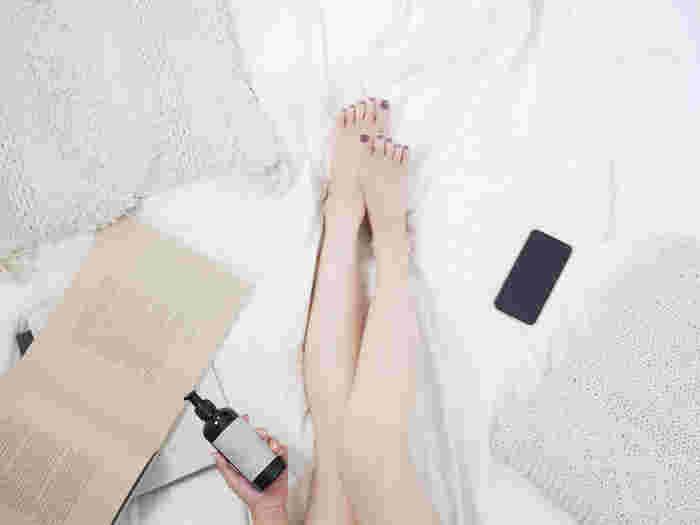 ソフトなテクスチャーのボディーローションは、保湿効果抜群で肌にしっかり浸透して潤いをキープしてくれます。また、ビタミンEが日差しから受けるダメージもケア。さらに、ウィッチヘーゼルが肌を引き締めるなど、1本で複数の美肌ケアが可能に。季節を問わず愛用したいローションです。