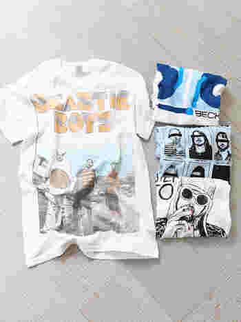 コットン100%の着心地のいいバンドプリントTシャツです。インパクトのあるデザインと、フェスにぴったりなテーマのデザイン。デニムやロング丈のスカートにタックインするだけで、カジュアルにキマります。