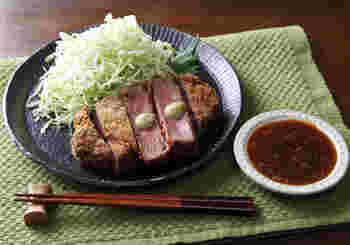 牛カツやステーキ、焼き肉など、肉料理にぴったりのわさび。ツンとくる辛みが大人ならではの味わいで、お肉のうまみと甘みを引き立ててくれます。お酒とともに楽しみたい夏の膳にぜひおすすめ。