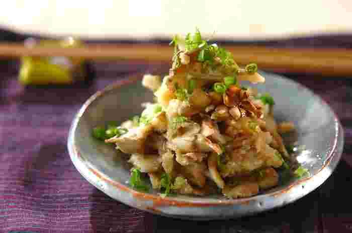 和え物や酢の物、サラダなどにするときには、舞茸を焼いたり、炒めたりしてから加えると、うまみ・栄養を逃さず取り込めますね。そんな舞茸の良さを生かす調理法で仕上げたレシピをいろいろとご紹介していきましょう。