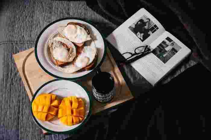 のせるだけでカフェ風に♪ 朝ごはんからランチまで活躍する《素敵なトレイ》
