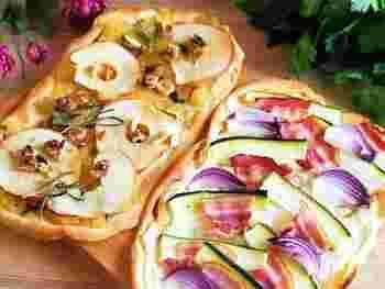 発酵も強力粉も不要のドイツのピザ「フラムクーヘン」。生地を薄く伸ばしてサワークリームを塗り、紫玉ねぎやベーコンなどをきれいに並べたら、あとは焼くだけ。20分程度でできてしまいます。絵になりますね♪