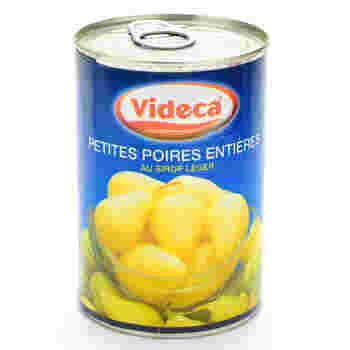 フレッシュフルーツがい場合は、手軽なフルーツ缶を使ってもOKです。写真の洋梨は、くずれにくくて焼き菓子向きだとか。