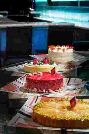 ティータイムには、三ツ星シェフのピエール・ガニェール パン・エ・ガトーのケーキブッフェが楽しめるので、ワンランク上の時間を過ごせますよ。
