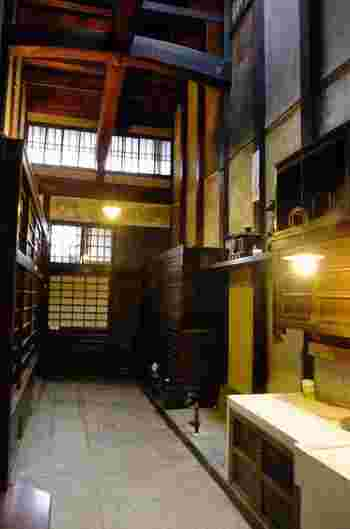展示期間中なら、京都ならではの「通り庭(おくどさん)」も見学することが出来ます。  この記念館は、並河靖之の貴重な作品群と京都の町家建築、名勝を鑑賞出来る隠れた観光スポットです。散策の途中でぜひ立ち寄ってみましょう。