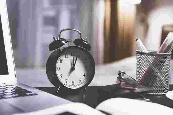 休憩は、好きな時に自由に休憩を取るよりも、あらかじめ休憩する時間を決めておいた方が、効率が良くなると言われています。ベストな間隔で休憩が取れるように、あらかじめ時間を決めておくことが大切なんです。