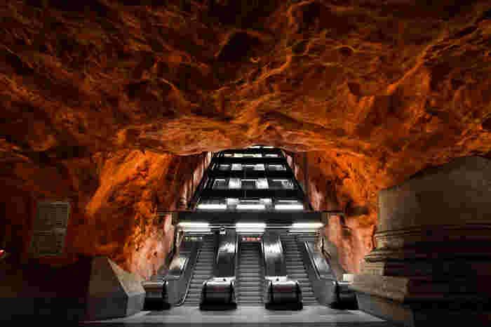 なかなかパッケージツアーでは電車も使わないので個人旅行ながらではの観光スポットです。全駅降りなくてもちょっと電車に乗ってみて、気になる駅で降りて写真をとったり・・とアートを楽しむ旅も素敵ではないでしょうか。