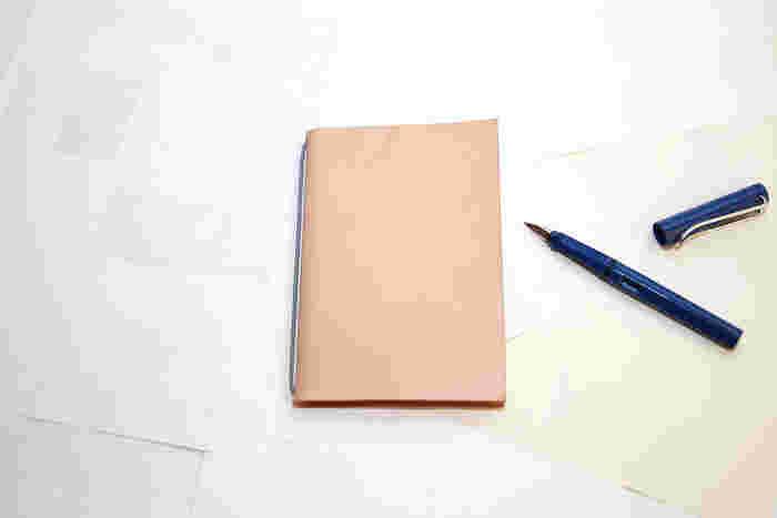 もったいないを減らす。シンプルで美しい、イリモノ デザイン製作所の【裏紙ノート】