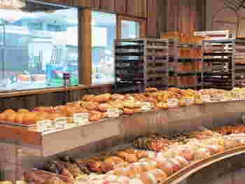移転後の「たま木亭」も大人気。 いつまでも変わらない探究心があふれる、玉木さんの愛情たっぷりのパンは食べに行く価値あり、ですね!