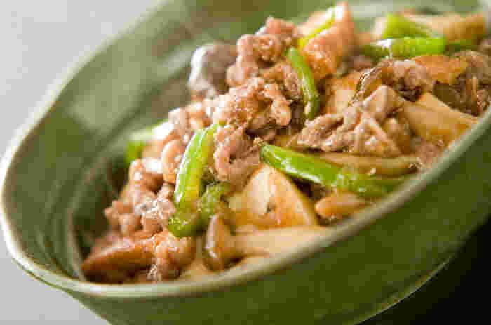厚揚げをメインにしたあんかけレシピ。厚揚げとしめじから旨味が出るので、味付けは醤油と砂糖でやさしい味わいに。野菜もたっぷり、具だくさんでボリューム満点◎ごはんにかけて丼にしても美味しいですよ!