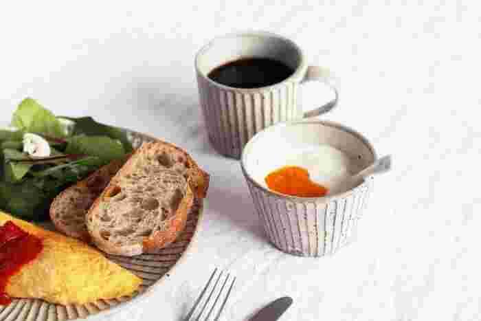 朝食やおやつのヨーグルトを入れる容器として、蕎麦猪口を活用することもできます。和風の風合いにヨーグルトという意外な組み合わせもいいですね。