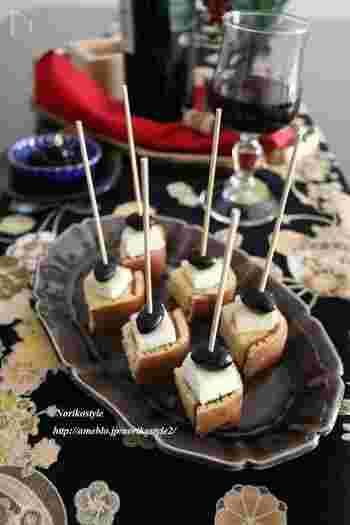 黒豆をつかっても美味しくできます。カステラに染み込ませる黒豆の煮汁に、ちょっぴり醤油を入れるのがポイント。