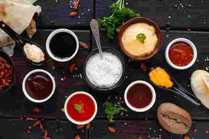"""野菜、クラッカー、チップス、パン…色々な食材に付けて楽しむ""""ディップソース""""は、おうちでちょこっと飲みたに時や、誕生日や記念日などのおもてなしシーンにもぴったり。"""