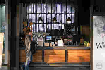 ちょっと立寄りたくなる、落ち着いた雰囲気のカフェでひとやすみ。