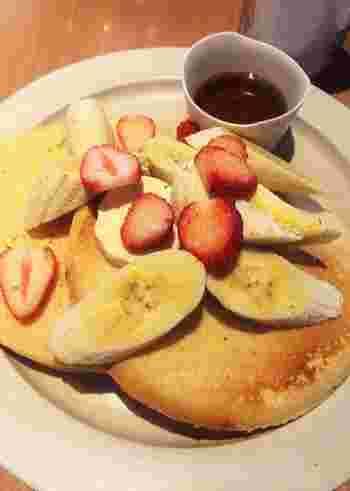 米粉とタピオカを配合した『グルテンフリーパンケーキ』のほか、『デイリーフルーツ』『バナナナッツマフィン』『オーガニックチョコスコーン』などがあります。