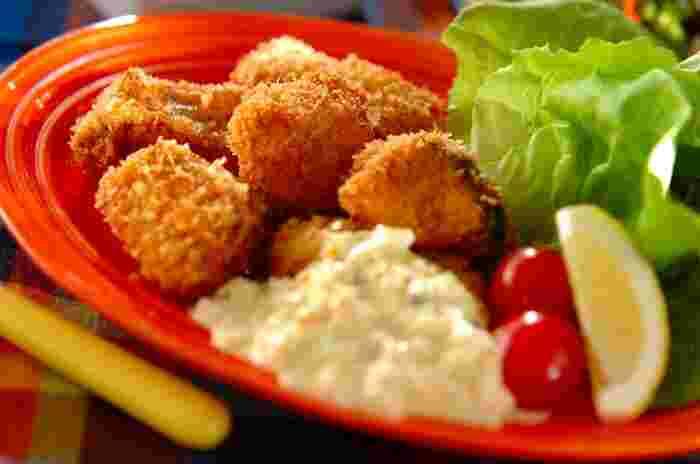 鮭を切ってフライにしたひとくち鮭フライ。タルタルソースをたっぷりつけて召し上がれ!