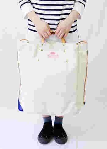 100% MADE IN JAPANにこだわる「BAGnNOUN(バッグンナウン)」。日本製ならでの丁寧で美しい造りと、かつ機能的も考えられた頼れるバックに出合えるブランドです。 おすすめの生成り色トートバッグは、ナチュラルなカラー構成が可愛い大容量トート。定番の形で使いやすく、持ち手は使い込むほど味が出るレザー仕様で高級感も◎。