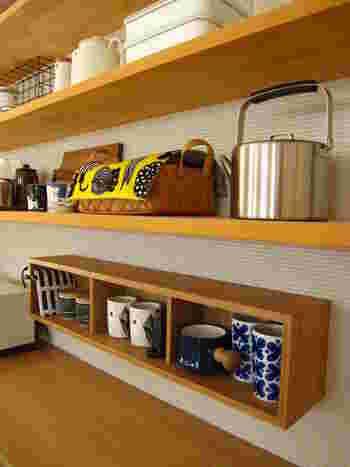 「見せる収納」でお気に入りの器を飾ると、おしゃれなインテリアとしても楽しめますね♪キッチンのちょっとしたスペースを有効活用できるのも、大きな魅力です。