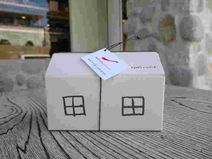 小さなビスケットのプチ・サレと、Caramel KAMAKURAというコンフィチュールが入ったとってもかわいいKAMAKURA BOXは、お土産にもぴったりです。