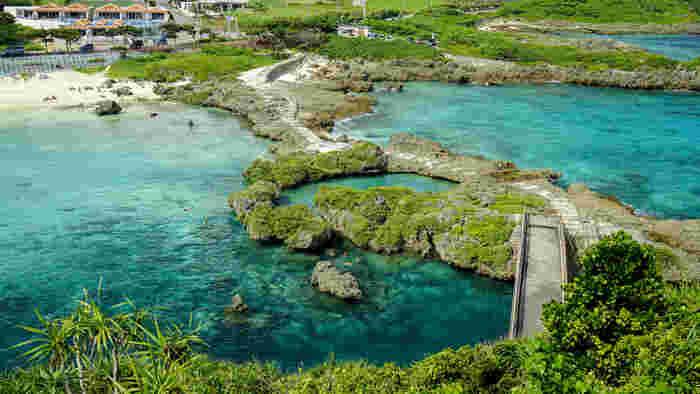 宮古島南部に位置するイムギャーマリンガーデンは、入江となっている立地を生かした海浜公園です。