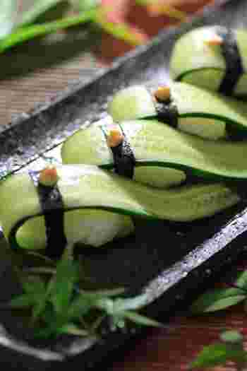 流れるようなラインが美しい胡瓜のぬか漬け寿司。見た目も涼しげで美味しそうですね。お寿司といえばワサビですが、こちらはワサビの代わりに和辛子をのせています。さっぱりとした大人の味わい。